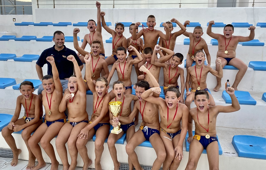 pioniri-jadrana-2010-godiste-prvaci-crne-gore